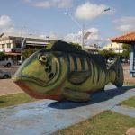 Lebensgroße Fisch Skulpture auf der Promenade