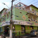 Eckgebäude mit General Store