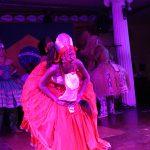 Tänzerin auf Bühe