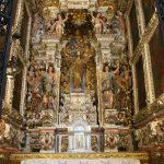 Mit viel Gold verzierter Altar